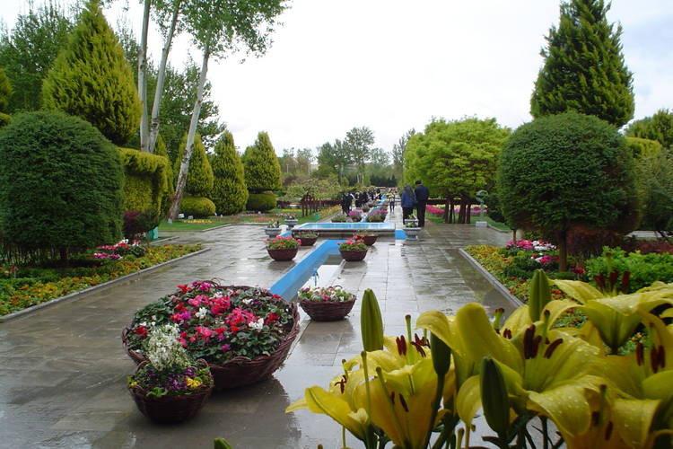 عکس گردشی در جذاب ترین پارک های اصفهان