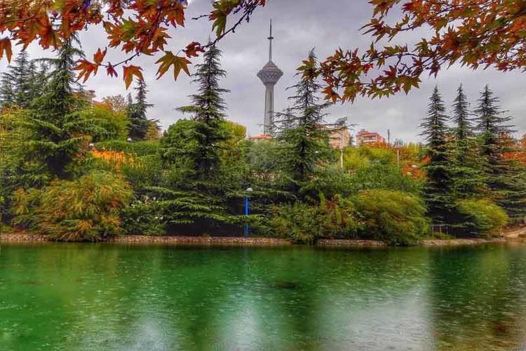 عکس طبیعتگردی در دل تهران