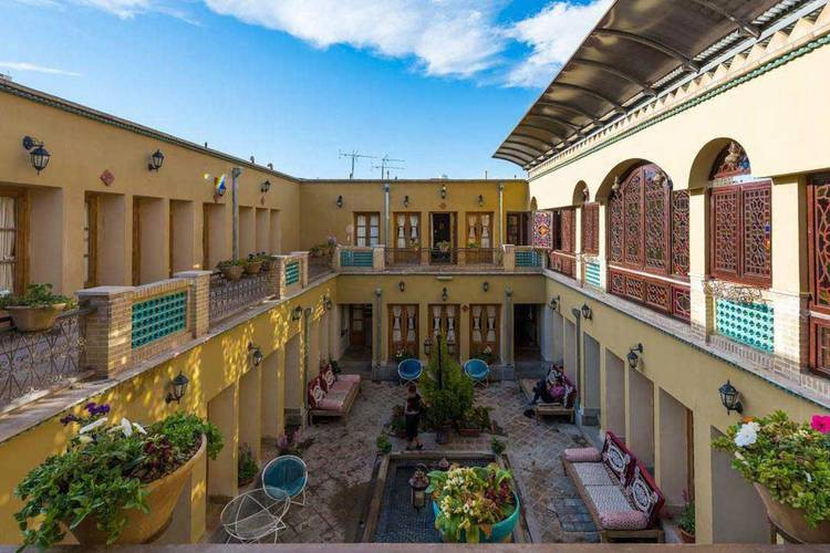 عکس لذت اقامت در خانه های قدیمی اصفهان
