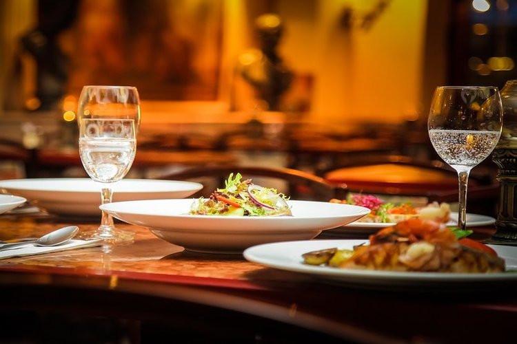 عکس وعده ای دلپذیر در رستوران های شیراز