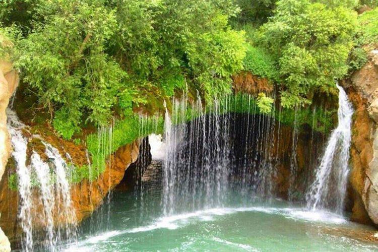 عکس آبشار آب ملخ اصفهان