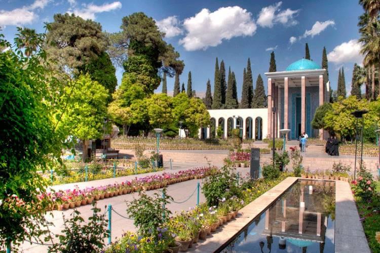 عکس آرامگاه سعدی شیرازی