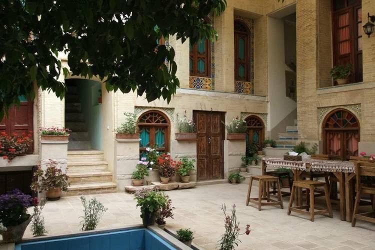 عکس اقامتگاه بومگردی لوتوس شیراز
