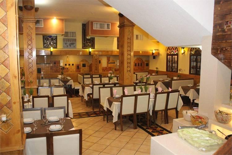 عکس رستوران صوفی عفیف آباد شیراز