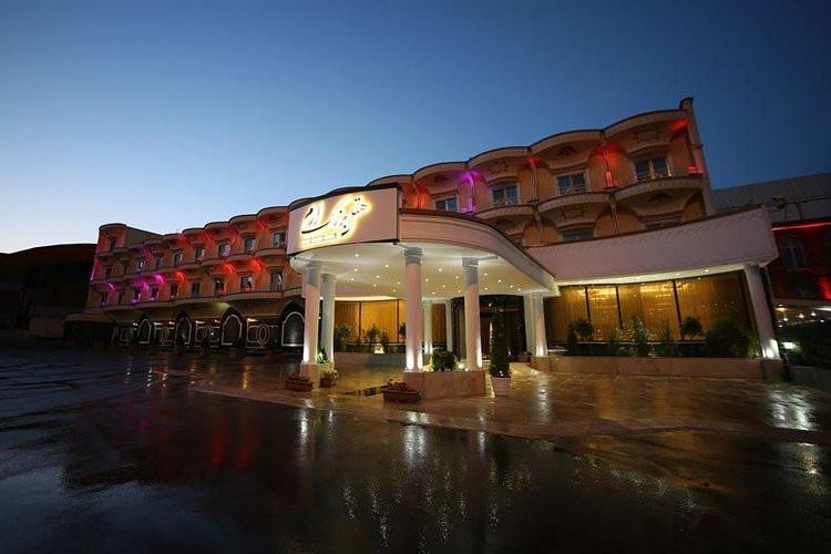 عکس هتل بزرگ ارم