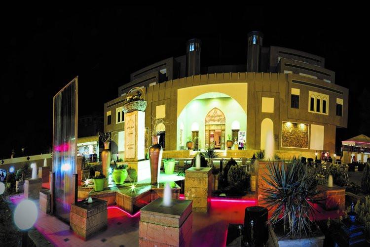 عکس هتل پارسیان صفائیه یزد