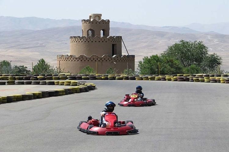 عکس کارتینگ باغ جوان اصفهان