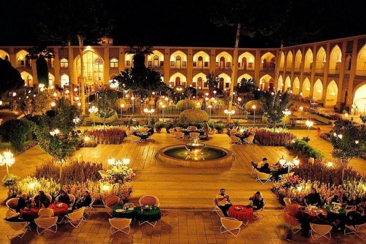 عکس هتل عباسی اصفهان