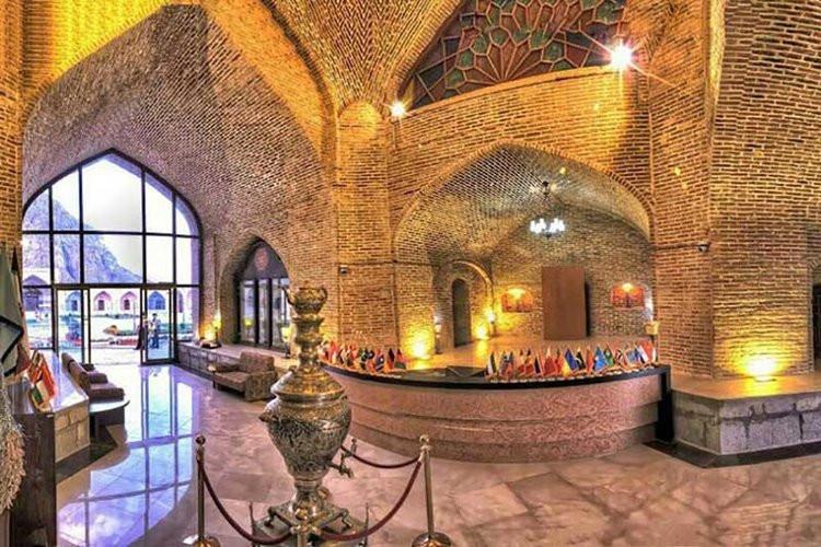 عکس هتل لاله بیستون کرمانشاه